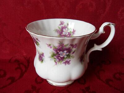 Kaffee-Tasse Royal Albert Memory Lane Bone China England Goldrand Geblümt TOP