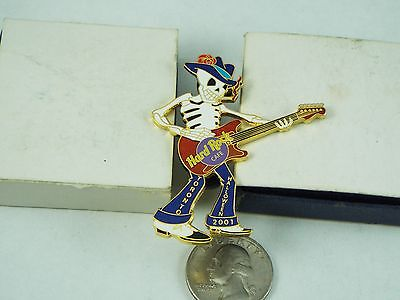HARD ROCK CAFE PIN 2001 TORONTO HALLOWEEN SKELETON IN BLUE JEANS LE - Halloween Toronto