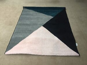 Rug Geometric design 133 x 160 cm green and blue