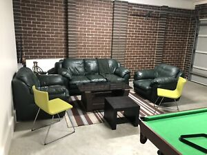 $450 if pick up today genuine leather couches