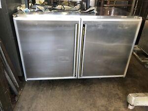Congelateur modèle comptoir