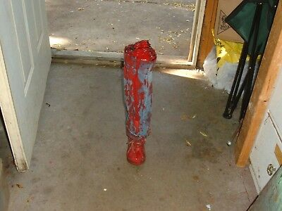 stupid party joke item gag Halloween BLOODY HUMAN LEG PROP GORY BODY PARTS  (Stupid Halloween Jokes)