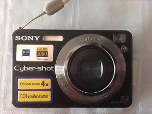 Sony Cyber Shot 7.2 Mega Pixels..MAKE AN OFFER