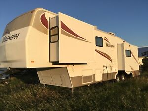 Roulotte fifth wheel 36 pied en parfette condition
