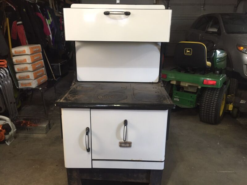 Antique Kitchen Wood Stove | Arts & Collectibles | Red ...