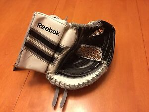 Reebok Larceny L7 youth goalie catcher Strathcona County Edmonton Area image 1