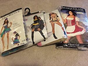 4 XS Female Halloween Costumes