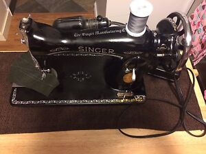Classic model 15-90 Singer Sewing machine