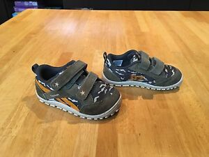 Reebok sneakers-boys size 6.5