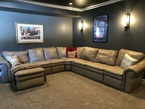 HUGE lazyboy leather sectional