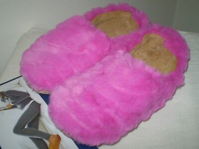 Hot Pink Fuzzy Slippers (New Chill Chasers S 5-6 Hot Pink Fuzzy Cozy Scuffs House Indoor Bedroom)