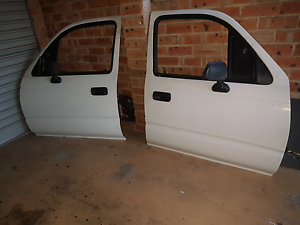 2001 toyota hilux front doors Bligh Park Hawkesbury Area Preview