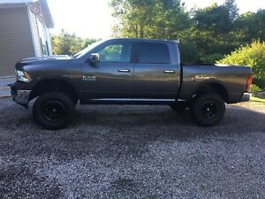 "17"" Dodge Mickey Thompson rims and tires"