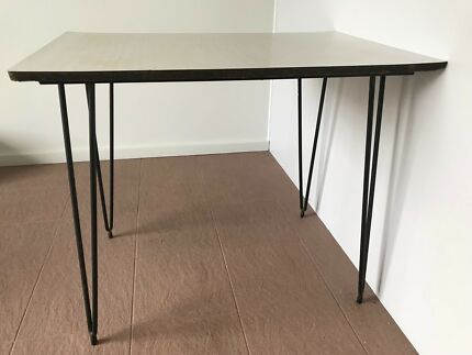 Kitchen table / small table / dining table