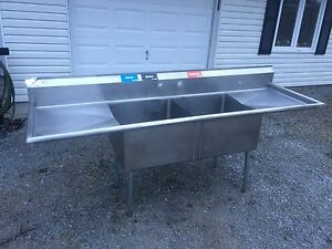 Double compartment commercial sink