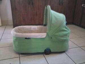 Bertini portable bassinett Magill Campbelltown Area Preview