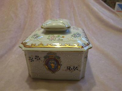 "Vintage Hand Painted 3 1/2"" Porcelain Trinket Snuff Box w/ Lid, signed G 1153 DE"
