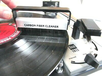 CARBON FIBER RECORD CLEANING  BRUSH WORKS GREAT WET OR DRY PERFECT FOR VINYL  ()