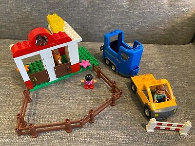 Lego Duplo Set 5648 Horse Stables With Trailer - Missing One Horse