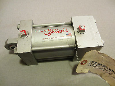 Milwaukee Cylinder Model A-62 Fixed Mount Pneumatic Psi 250 Steel