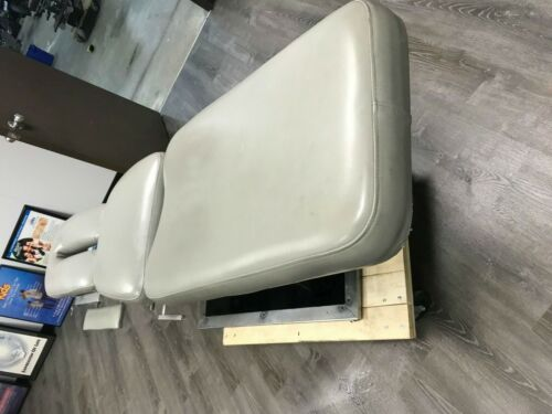 Back Specialist Cox flexion Distraction Chiropractic Table