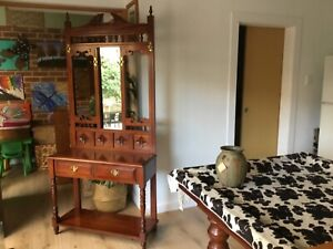 Hall and hat stand with 2 drawers