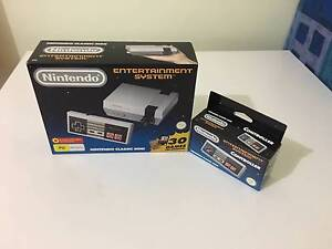 Nintendo NES Mini Classic + 2 Controllers Marmion Joondalup Area Preview