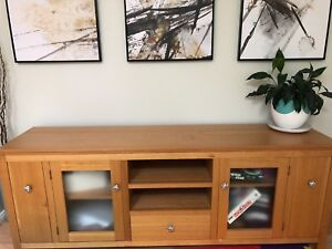 Beautiful Solid Tassie Oak Buffet Table