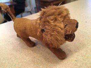 Very old toy lion WORKS