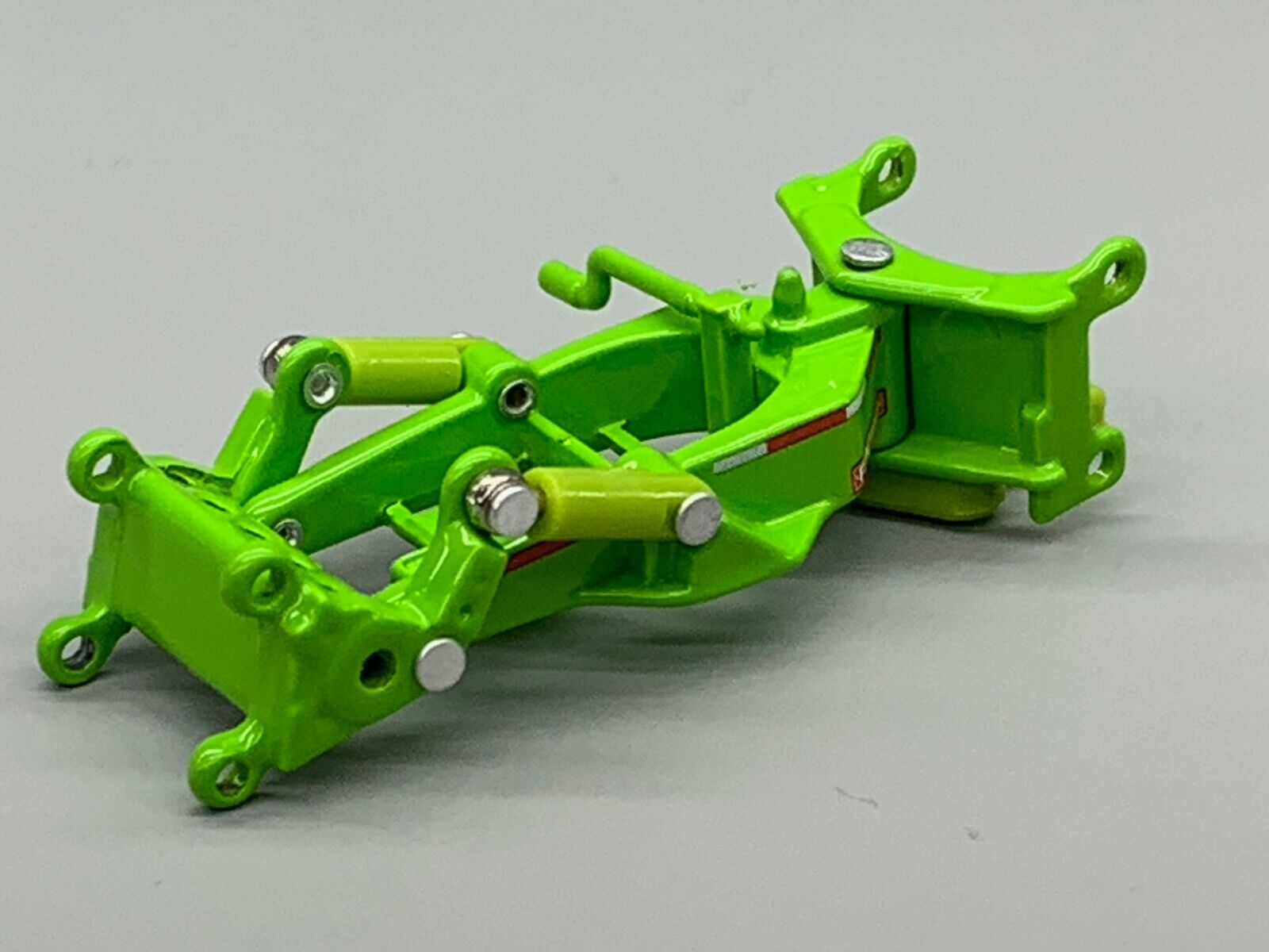 1/64 DCP LIME GREEN FONTAINE MAGNITUDE LOWBOY SPREADER 1