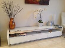 TV entertainment unit Gloss white with white tempered top glass Brighton Bayside Area Preview