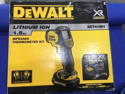 DeWalt XR Li-Ion 10.8V Infrared Thermometer Kit