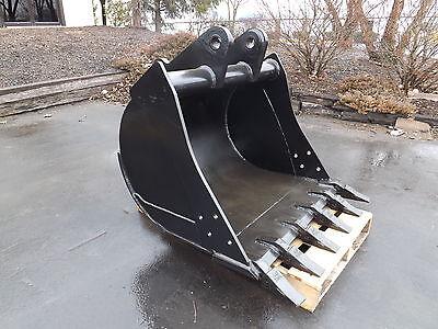 New 36 Backhoe Bucket For A John Deere 310d