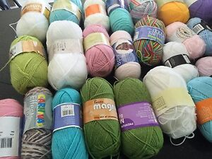 Mixture of acrylic knitting yarn as bulk Bexley Rockdale Area Preview