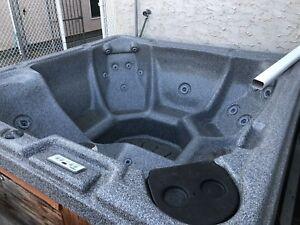 6 Person Hot Tub Polar Spas $500 OBO