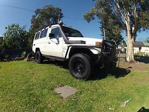 1996 Toyota LandCruiser troop carrier Berkeley Wollongong Area Preview