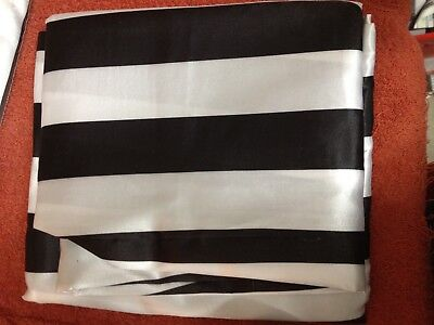 Black And White Striped Tablecloths (Black & white Stripe 120