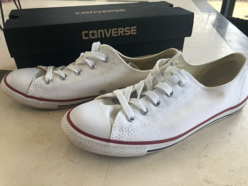 Converse All Star Women's Canvas Sneakers Size 8 great