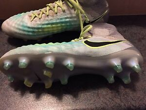 MAGISTA OBRA II Nike outdoor soccer cleats