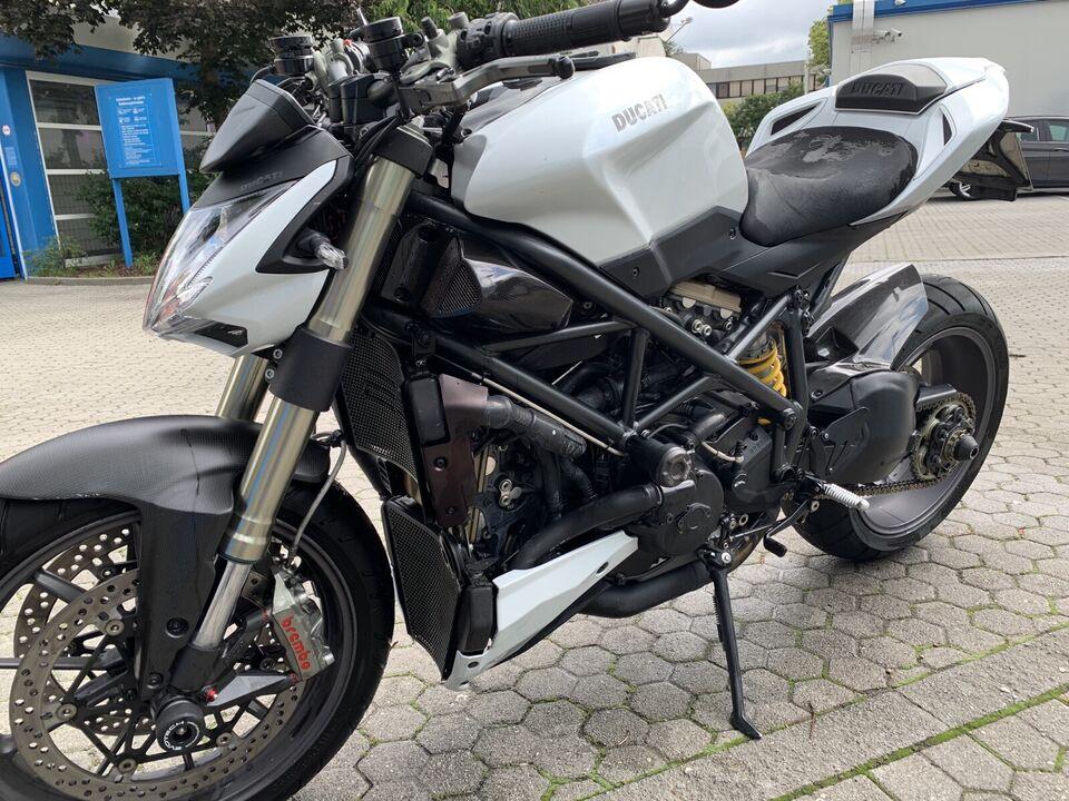 Ducati Streetfighter 1098 Baujahr 2011 (Service neu) in München