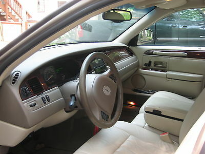 2003 Lincoln Town Car 4 door-Town car Immaculate 2003 Lincoln Town Car