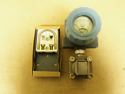 New Foxboro Electric Pressure Transmitter 821am-is1nm1-a 0-150 Psi 65vdc 20 Ma