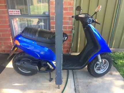 50cc piaggio typhoon scooter