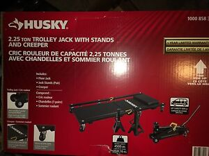 Husky 2.25 Ton trolley jack with stands and creeper.