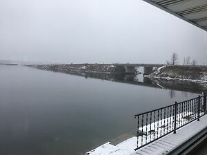 WATERFRONT 2 BEDROOM LARGE APARTMENT Peterborough Peterborough Area image 3