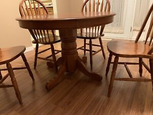 Wood table and 4 chairs with leaf
