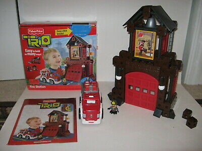 Fisher Price Trio Fire Station P6833 - complete with box and manual