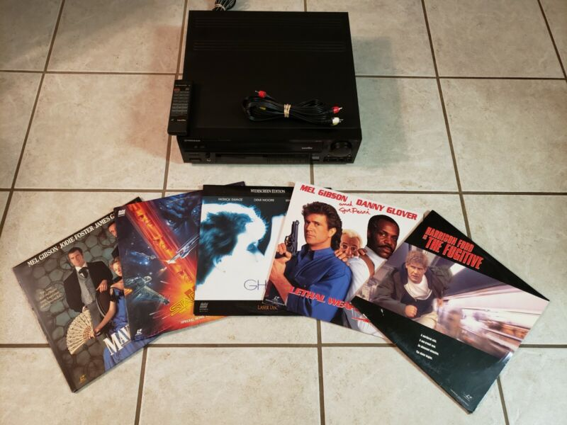 Pioneer CLD-1090 LaserDisc CD Player - TESTED - Bundle with Remote PLUS 5 movies