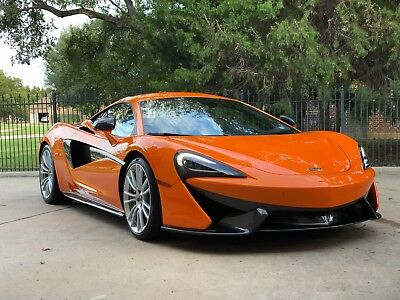2017 McLaren 570 S 2017 McLaren 570S (Ventura Orange)