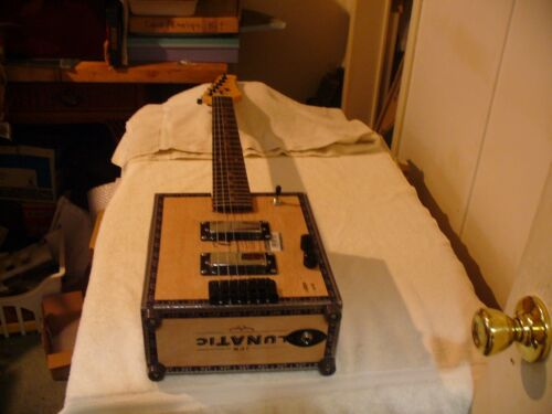 CIGAR BOX GUITAR LUNATIC BY FERNANDEZ  AGANORSA 6 STRING CIGAR BOX GUITAR LOOK !